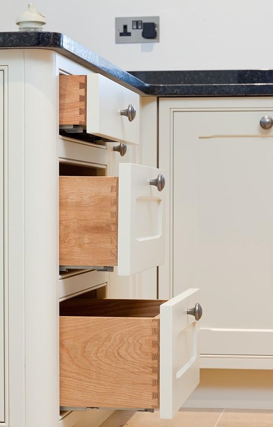 Bespoke dovetail drawers – Classic Bespoke